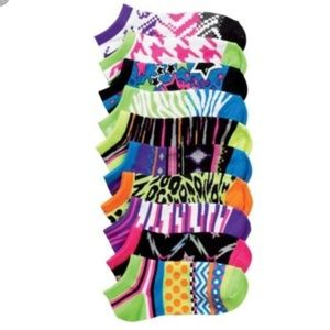 Other - 🆕️NWT 5 Pair Toddler Glow in the Dark Ankle Socks